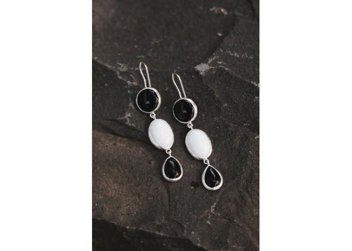 Серьги с чёрным и белым агатом // серебро