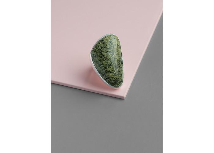 Кольцо с треугольным змеевиком // серебро