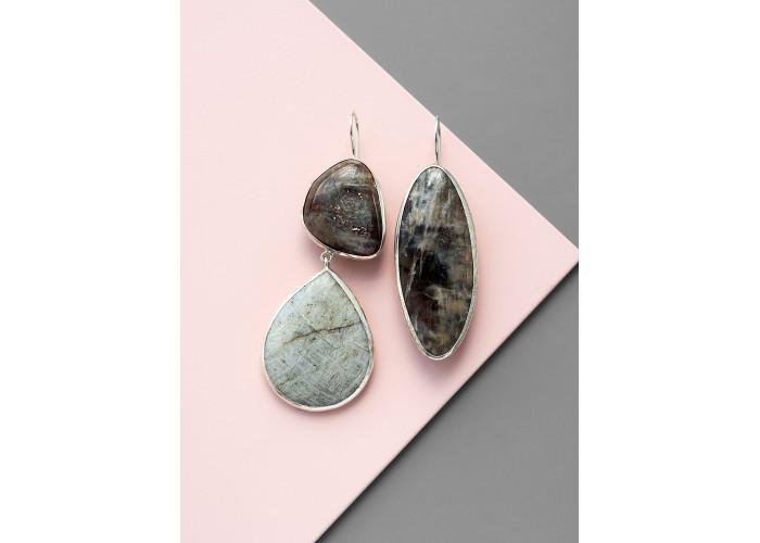 Серьги с солнечным и лунным камнем  // серебро