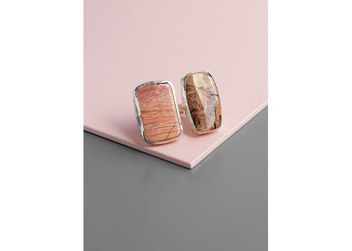 Кольцо с двумя камнями яшмы // серебро