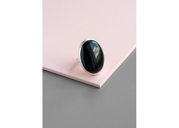 Кольцо с большим овальным чёрным агатом // серебро